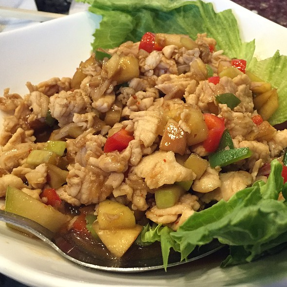 Mekong Lettuce Wrap @ Mekong Bistro
