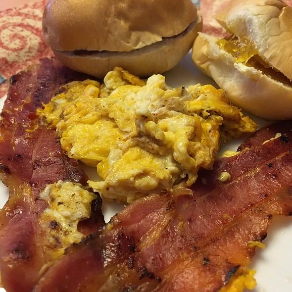 Egg'n Bacon Breakfast @ La Comida De Mi Casa