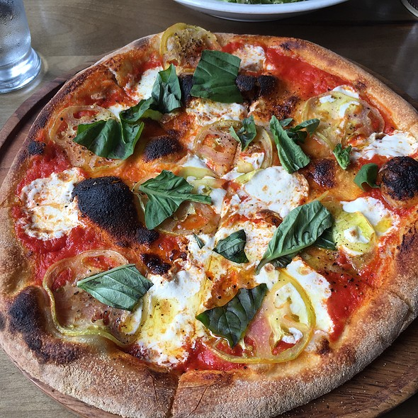 Pizza Margherita @ The Obstinate Daughter