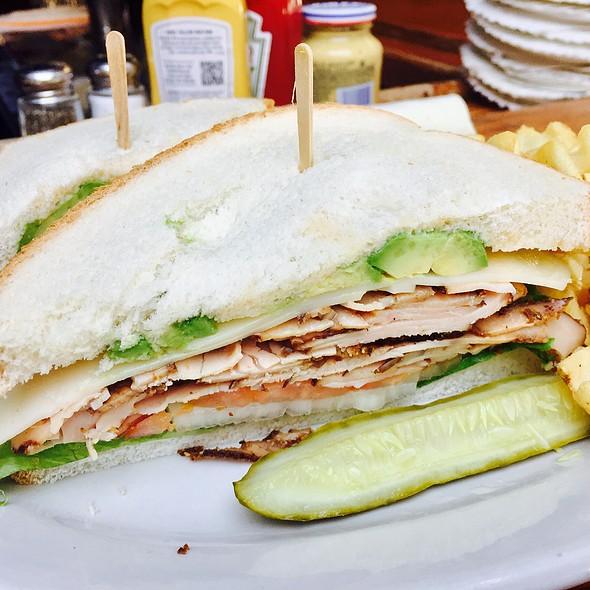 Turkey,bacon,avocado @ Dublin's Bar & Grill