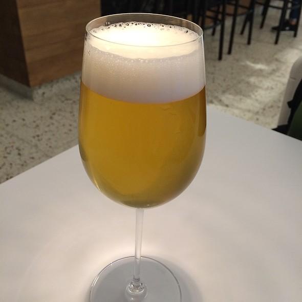 Brauwerk 1 Blond Beer @ Lingenhel Käserei