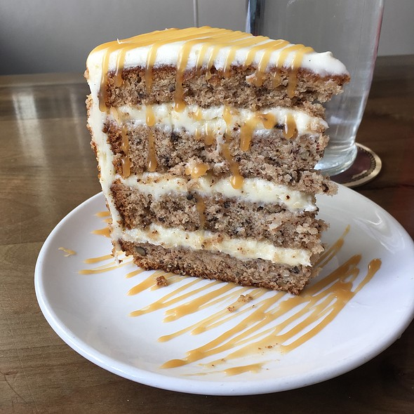 Hummingbird Cake @ The Obstinate Daughter