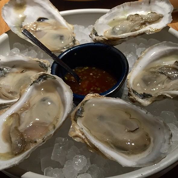Poison Oysters @ Cosme