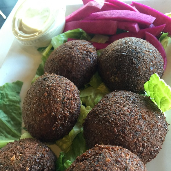 Falafel @ Sabra Beirut Mix