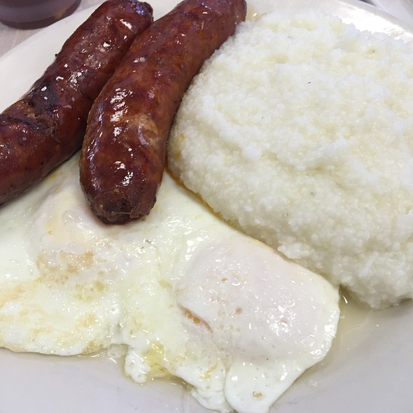 Grits , Spicy Sausage & Egg @ Mother's Restaurant
