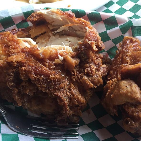 America's Best Fried Chicken @ Willie Mae's Scotch House