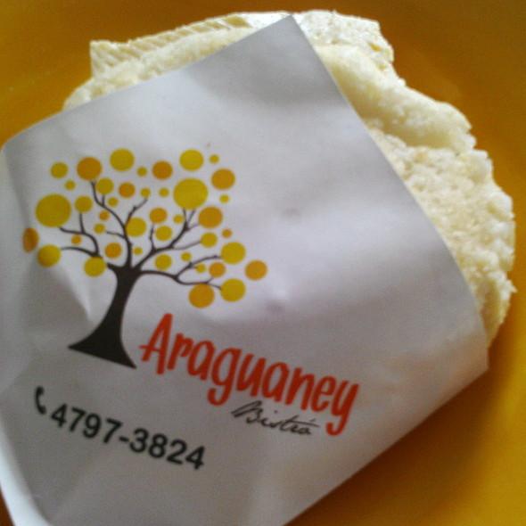 Arepa con queso blanco @ Araguaney Bistró