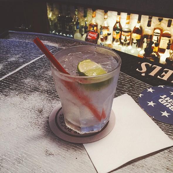 gin and tonic @ Swiss Buda