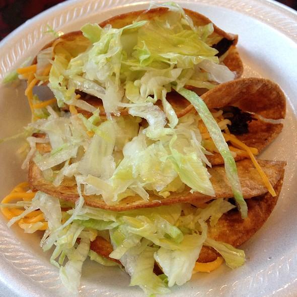 Crispy Beef Tacos @ Carreta