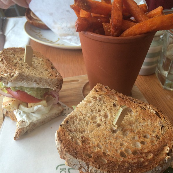 Grilled Haloumi Sandwich @ Muriel's Kitchen
