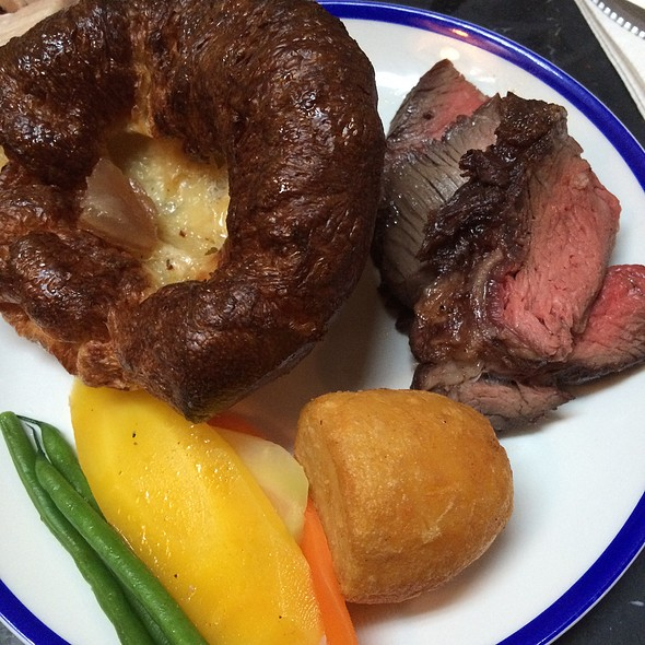 Sunday Roast | Beef And All The Trimmings @ Blacklock