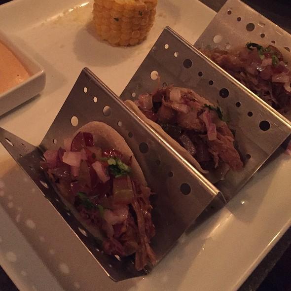 Tuna Tacos @ Cocina Abierta