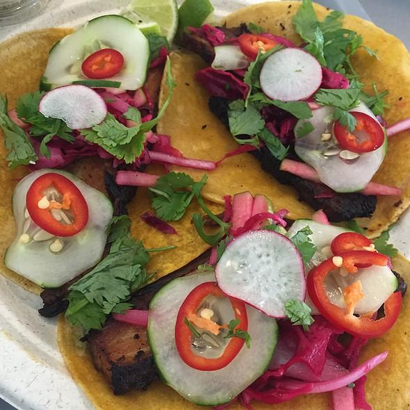 Tacos @ Acapulco Taqueria