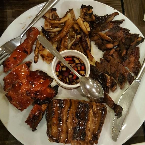 Inihaw Platter @ Manongs Bar And Grill