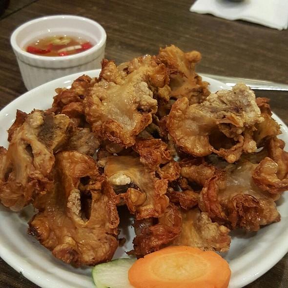 Chicharon Bulaklak @ Manongs Bar And Grill