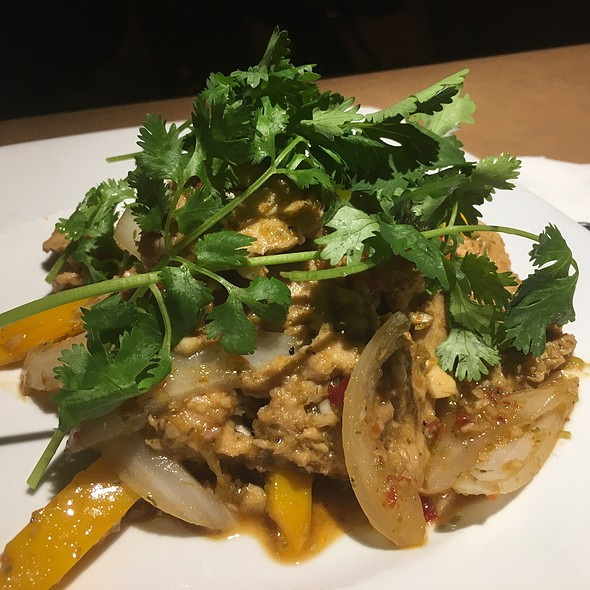 Vegan Lemon Grass Chicken @ Green Papaya