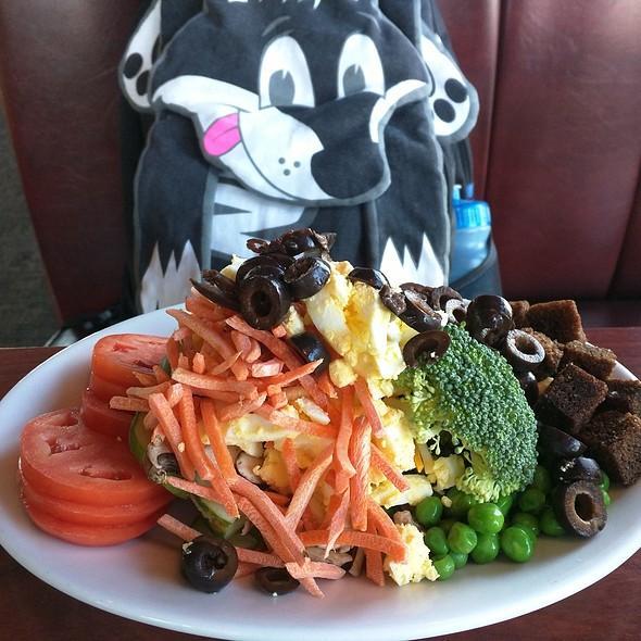 Salad @ Ruby Tuesday of Bear