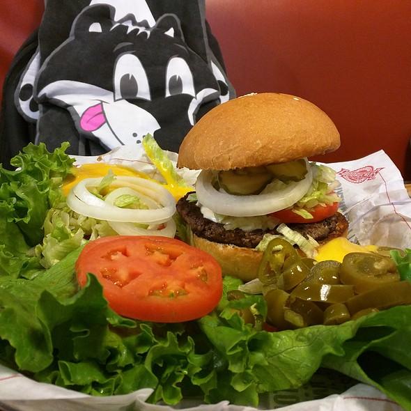 1/3 Lb Burger @ Fuddruckers