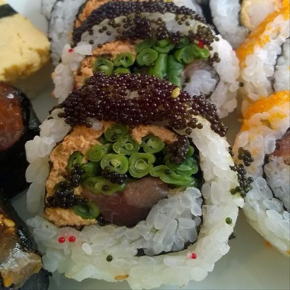 Spezial Tuna Roll @ Maruyasu
