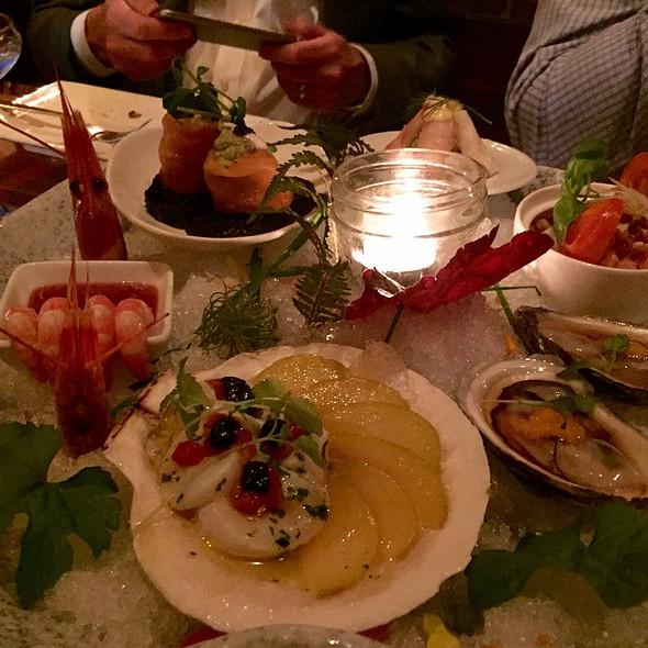 Seafood Platter @ Lee