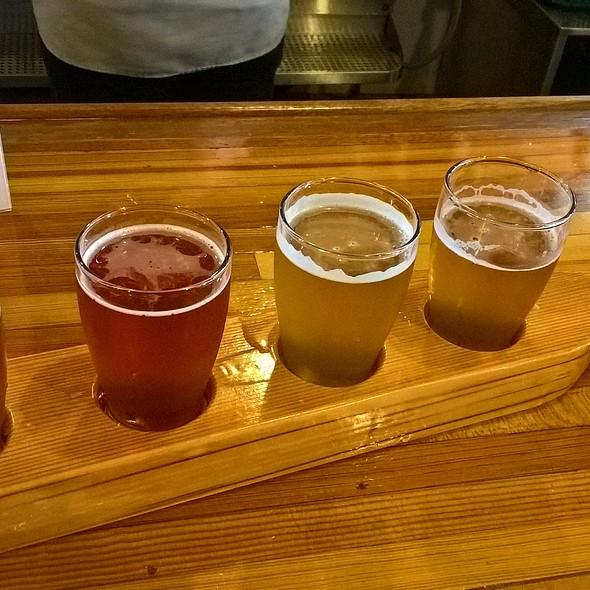 Beer Flight @ Yards Brewing Co