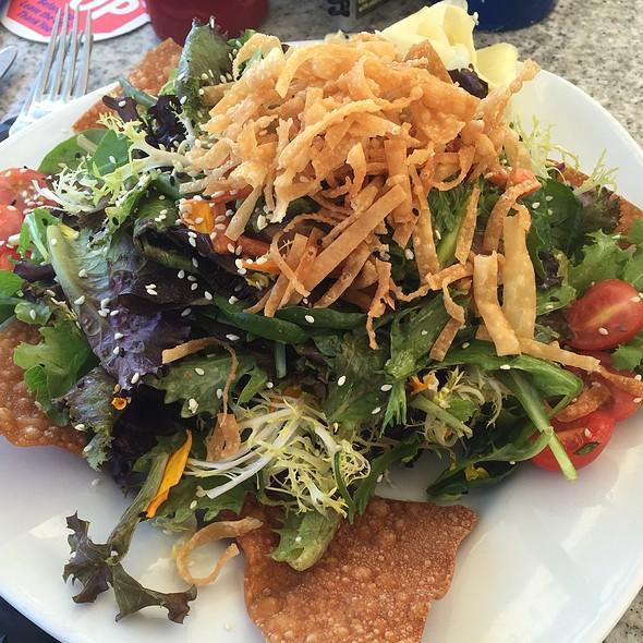 Sesame Seared Ahi Tuna Salad @ Paradise Cove Beach Cafe