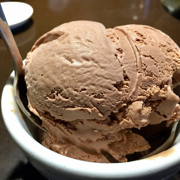 Chocolate Icecream @ Din Tai Fung University Village
