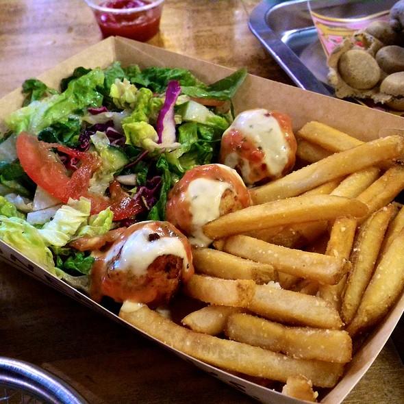 chicken meatballs @ Döner Haus