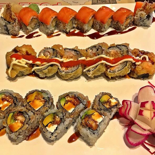 Crazy Roll, Dynamite Roll, Salmon Maki Roll @ Sushi Bear