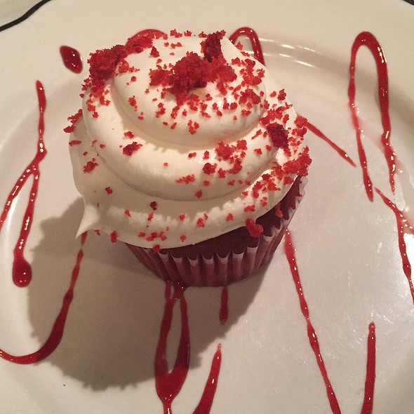Red Velvet Cupcake - Robin's Nest Restaurant, Mount Holly, NJ
