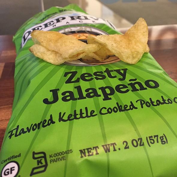 Deep River Snacks Zesty Jalapeño Potato Chips