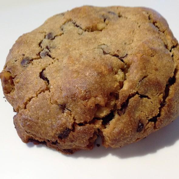 7oz Chocolate Chip Cookie $3.50