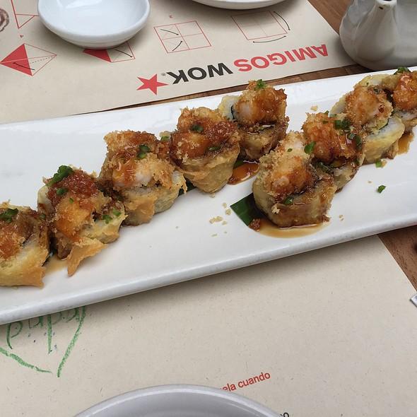 Roll Bomba @ Wok