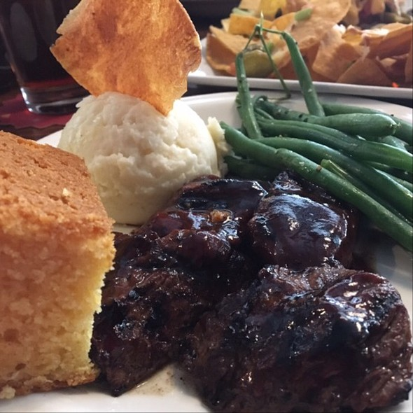 Beer Works Bbq Basted Steak Tips With Seasoned Green Beans, Mashed Potatoes, And Cornbread