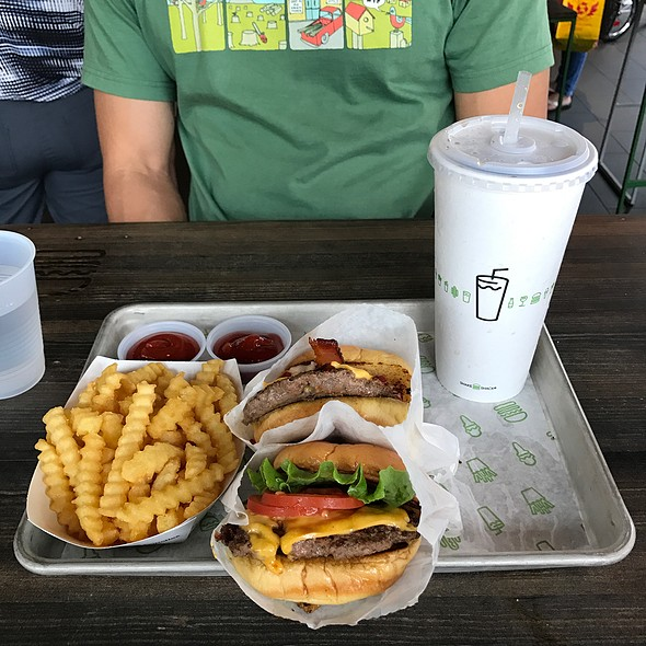 Shackburger And Smokeshack @ Shake Shack