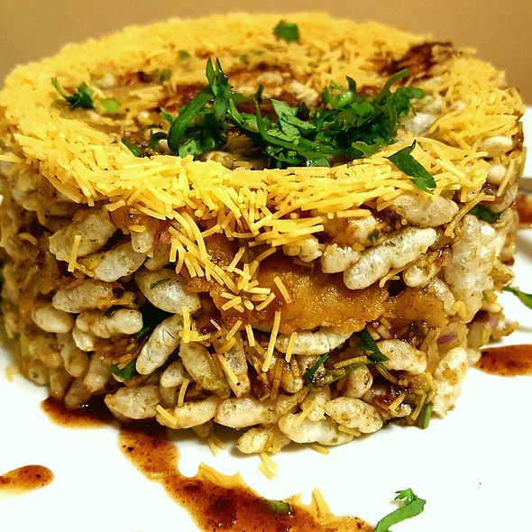 Bhel Poori (An exotic mix of gram flour straws, peanuts, fresh coriander and tamarind chutneys) - Dawat, New York, NY