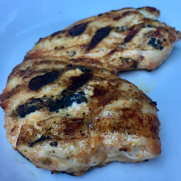 Grilled Chicken Breast @ Dublin's Bar & Grill