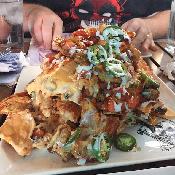 Guy Fieri S Vegas Kitchen Amp Bar Trash Can Nachos