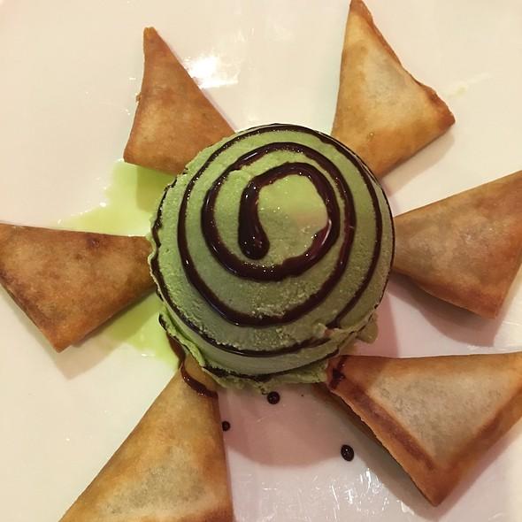 Crispy Banana Wonton W/ Green Tea Ice Cream