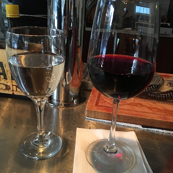 Red Wine - Industriel, Los Angeles, CA
