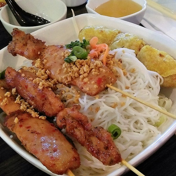 BBQ Chicken and Spring Roll With Vermicelli @ Kim Po Vietnamese Restaurant
