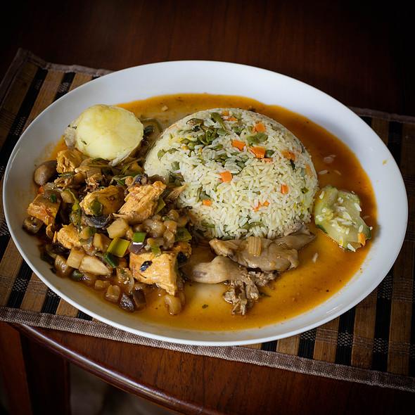 Chicken with oyster mushrooms and aubergine plus rice @ Villa Strelitzia