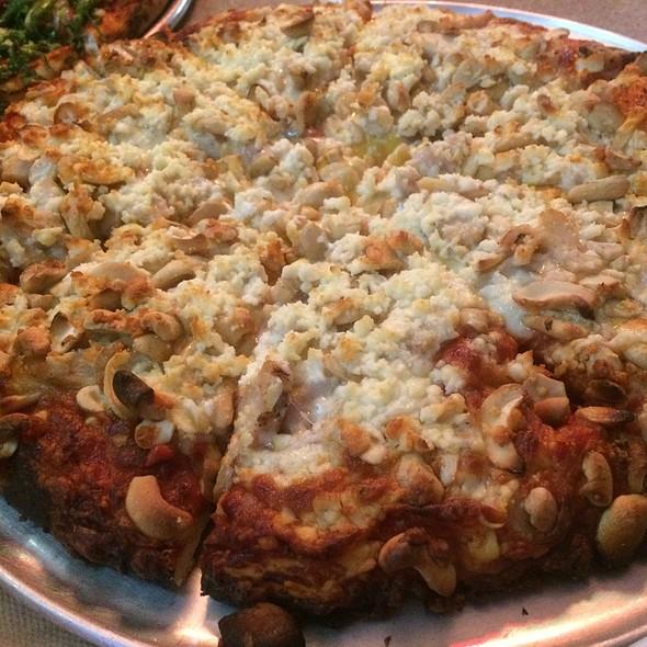 Kyle's cashew garlic chicken @ Mission Pizza