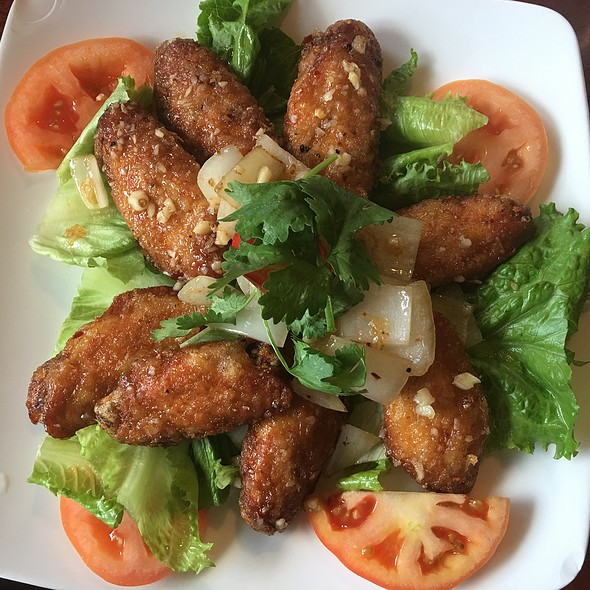 Marinaded Fried Chicken Wings @ Pho Saigon