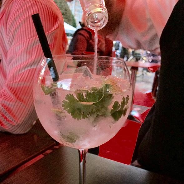Gin Tonic @ Bar Nine