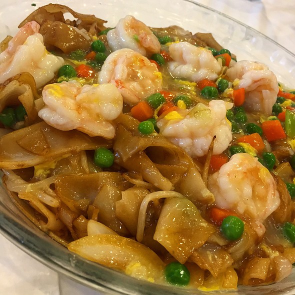 Sauteed Flat Rice Noodles With Shrimp & Egg @ Jade Garden Chinese Cuisine