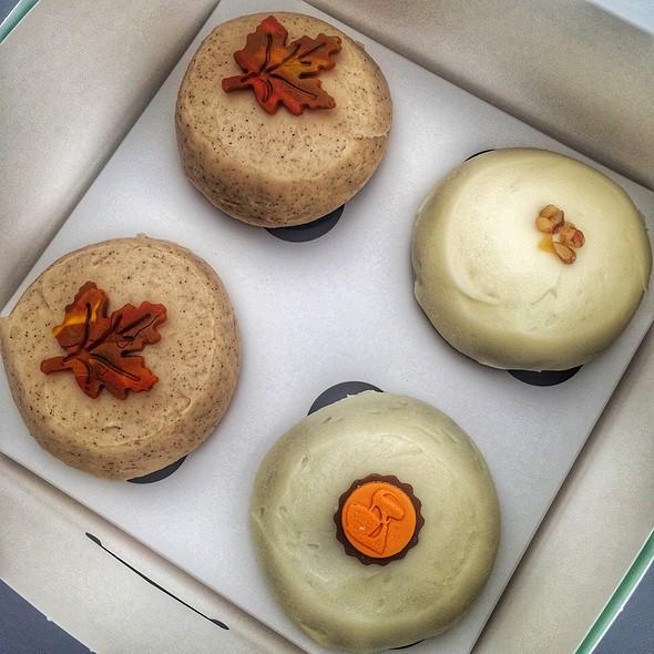 Pumpkin Cupcake @ Crave Cupcakes