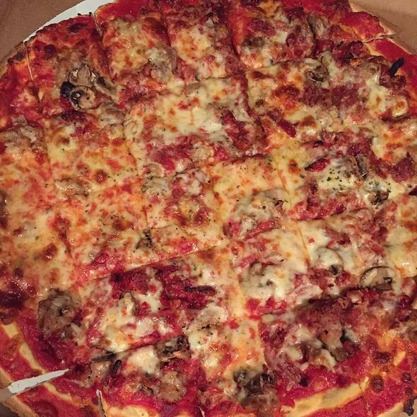 Pizza @ D'Agostino Pizza-Higgins