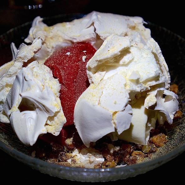 Toasted pavlova, sweet corn ice cream, blackberry sorbet, puffed wheat