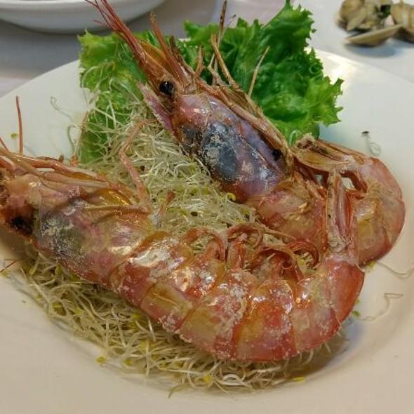 Grilled Sea Prawns @ 上淳活海鮮餐廳